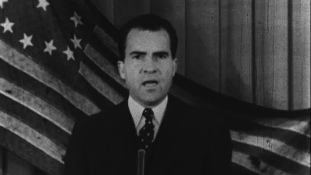 vídeos de stock e filmes b-roll de richard nixon delivers his famous old glory speech - 1958