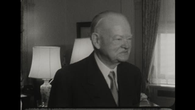 vídeos de stock e filmes b-roll de richard nixon meets with former president herbert hoover at the waldorf astoria - presidente dos eua