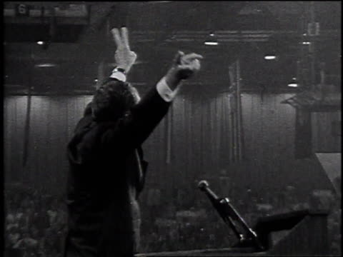 richard nixon takes the stage / united states - 1968年点の映像素材/bロール