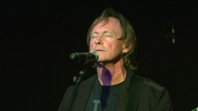 richard page performing with ringo starr and his all starrs at the announcement of the pacific rim tour. ringo starr tour announcement at sir studios... - ringo starr stock videos & royalty-free footage