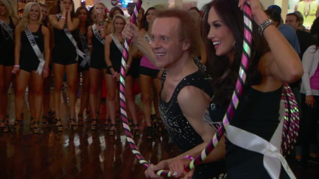 richard simmons miss florida lissette garcia at the chinese laundry presents the miss usa hula hoop competition with richard simmons at las vegas nv - schönheitskönigin stock-videos und b-roll-filmmaterial