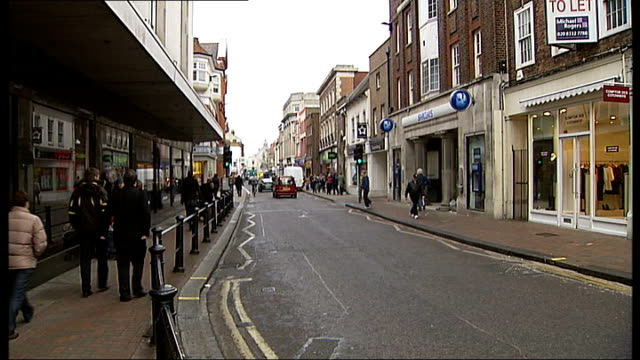 richmond upon thames has highest life expectancy in england england london richmond upon thames ext gvs richmond high street - richmond upon thames stock-videos und b-roll-filmmaterial