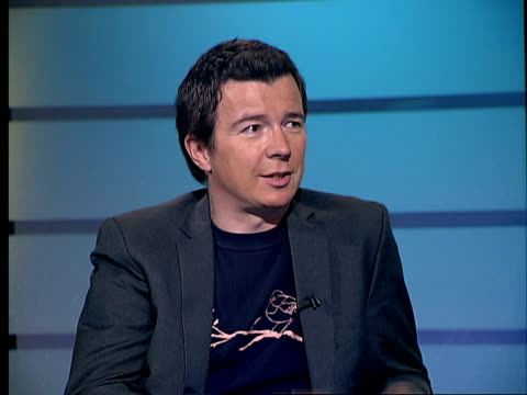 vidéos et rushes de rick astley interview; rick astley live studio interview sot - on how he looked and the fashions of the 1980s / on the stock aitken and waterman hit... - singer