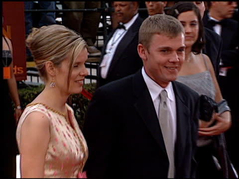 rick schroder at the 2000 screen actors guild sag awards arrivals at the shrine auditorium in los angeles, california on march 12, 2000. - リック シュローダー点の映像素材/bロール