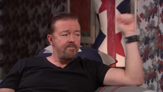 vidéos et rushes de ricky gervais interview; ricky gervais interview sot - on whether david brent would make a good american president - parallels with donald trump -... - ricky gervais