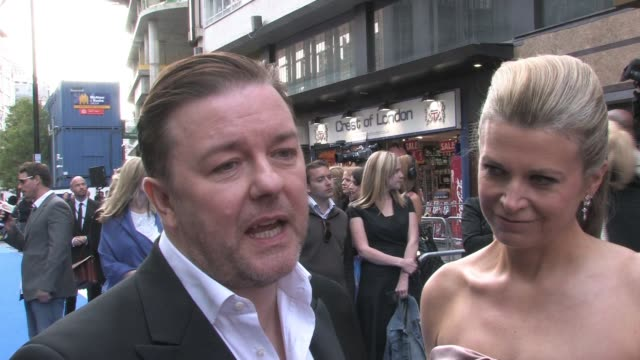 vidéos et rushes de ricky gervais on working with ben stiller and how many takes they did at the night at the museum 2 world premiere at london england. - ricky gervais