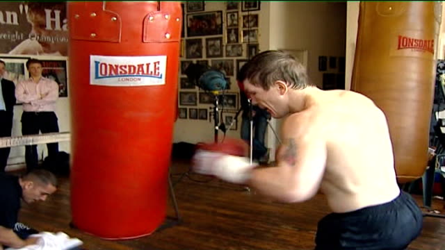 scientific analysis of his left hook before world championship fight slow motion hatton training in gym - world championship stock videos & royalty-free footage