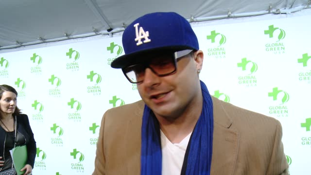 vídeos de stock, filmes e b-roll de interview ricky j on the event and on making the planet greener at the global green usa 12th annual preoscar® party avalon on february 18 2015 in... - oscar party