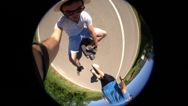 vídeos de stock, filmes e b-roll de passeio de dia - andar de skate