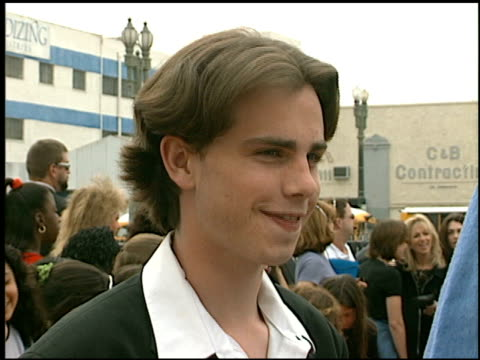 vídeos de stock e filmes b-roll de rider strong at the 1997 nickelodeon kids' choice awards arrivals at grand olympic auditorium in los angeles, california on april 19, 1997. - nickelodeon kids' choice awards