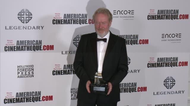 vídeos y material grabado en eventos de stock de ridley scott at 30th annual american cinematheque awards gala in los angeles ca - premio american cinematheque