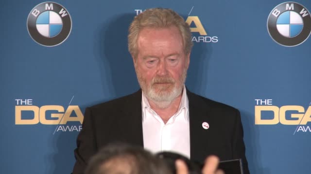 ridley scott at 68th annual directors guild of america awards in los angeles, ca 2/6/16 - リドリー・スコット点の映像素材/bロール