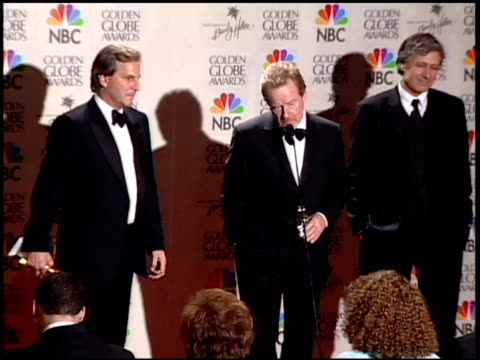 ridley scott at the 2001 golden globe awards at the beverly hilton in beverly hills, california on january 21, 2001. - リドリー・スコット点の映像素材/bロール