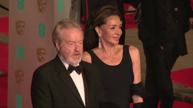 ridley scott at the ee british academy film awards at the royal opera house on february 14, 2016 in london, england. - リドリー・スコット点の映像素材/bロール