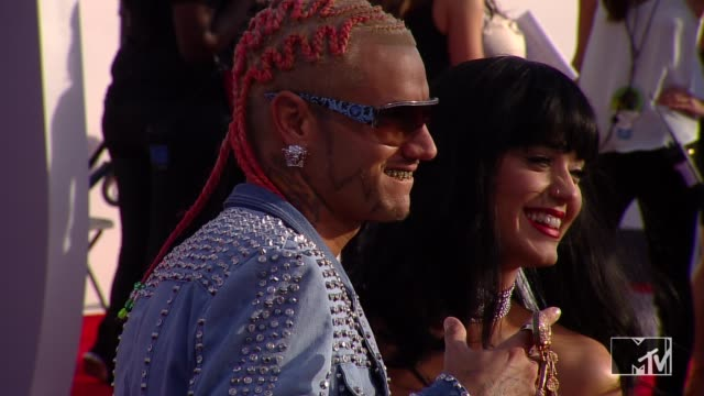 riff raff and katy perry at the 2014 mtv video music awards at the forum on august 24 2014 in inglewood california - mtv video music awards stock videos & royalty-free footage