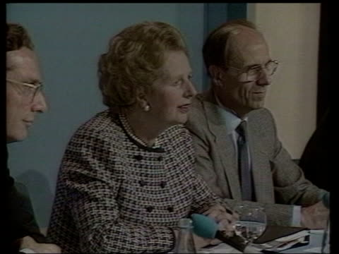 nhs 'right to choose' policies itn ls margaret thatcher at press conference with john major and norman tebbit margaret thatcher press conference in... - nhs stock videos & royalty-free footage