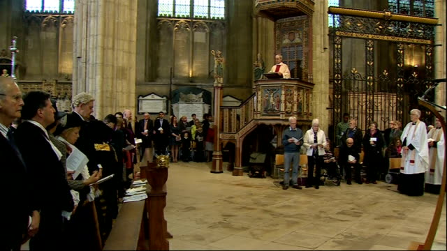 lord carey backs assisted suicide bill lib / 2042014 kent canterbury justin welby at pulpit welby giving easter sermon welby at pulpit as clergy along - ジャスティン・ウェルビー点の映像素材/bロール