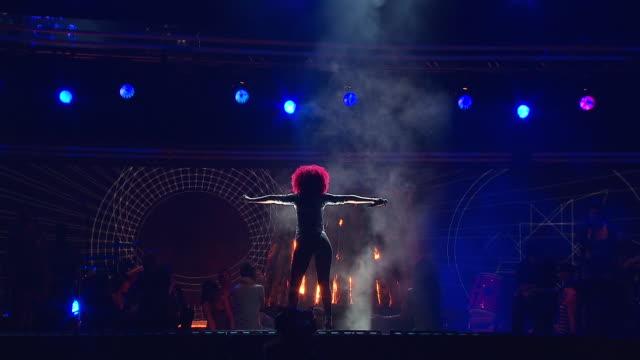 Rihanna Drake Grammys Performance