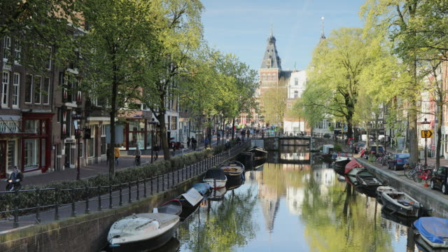 rijksmuseum and spiegelgracht canal, amsterdam, netherlands, europe - amsterdam stock videos & royalty-free footage