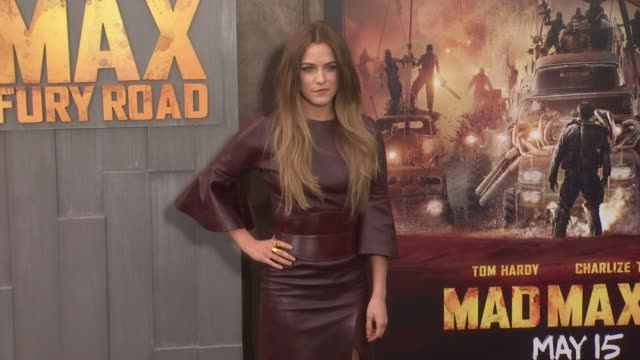 stockvideo's en b-roll-footage met riley keough at the mad max fury road los angeles premiere at tcl chinese theatre on may 07 2015 in hollywood california - tcl chinese theatre