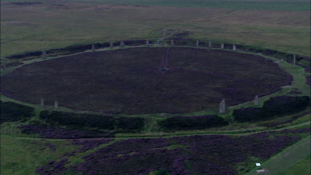ring of brodgar  - aerial view - scotland, orkney islands, united kingdom - obelisk stock videos & royalty-free footage