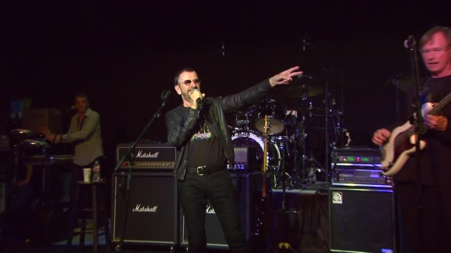 vídeos de stock e filmes b-roll de ringo starr announces the launch of his pacific rim tour. event capsule clean - ringo starr announces the la at sir studios on february 01, 2013 in... - celebridade