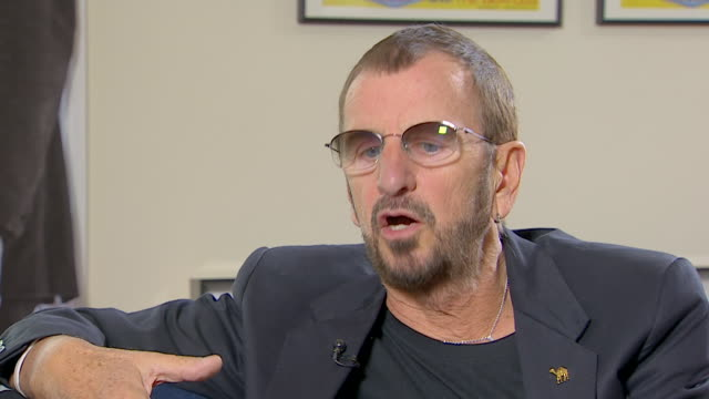 vídeos de stock, filmes e b-roll de ringo starr talks about his mother saying 'she remembered every second of my life' - 2013