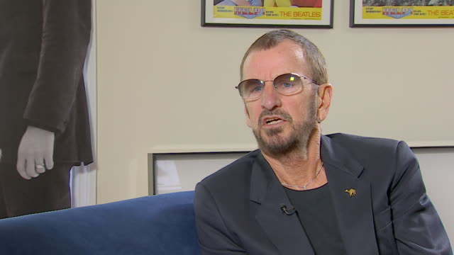 vídeos de stock, filmes e b-roll de ringo starr talks about his surprise in finding photo negatives that he thought he has lost - 2013