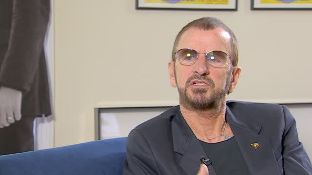 vídeos de stock, filmes e b-roll de ringo starr talks about the beatles being 'bigger than anything else i have ever done' - 2013