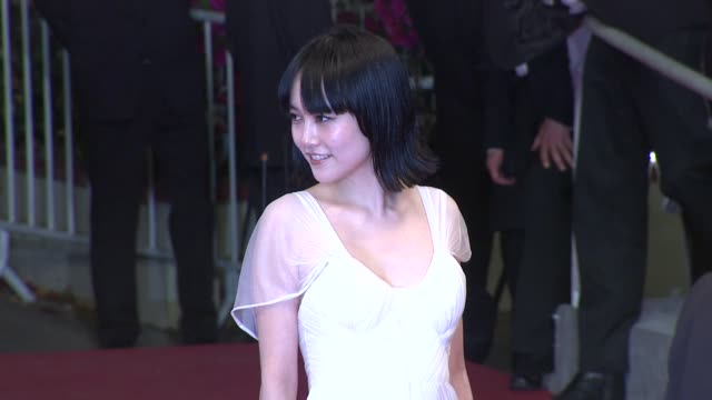 rinko kikuchi at the cannes film festival 2009 map of the sounds of tokyo steps at cannes - 62 ° festival internazionale del cinema di cannes video stock e b–roll