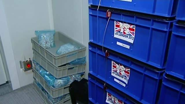 vídeos de stock, filmes e b-roll de russian athletes await decisions on whether they can compete t16071332 / 1672013 switzerland lausanne int crates containing drug testing samples from... - rio russian