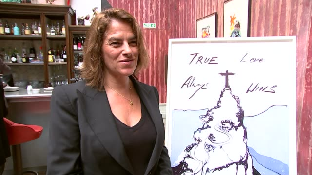tracey emin launches british team poster tracey emin interview sot - itv london lunchtime news点の映像素材/bロール