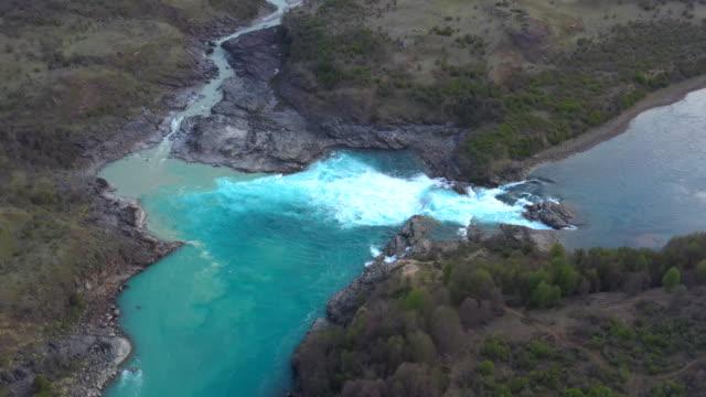 vídeos de stock, filmes e b-roll de rio baker and rio neff rivers confluence, patagonia, chile - américa do sul