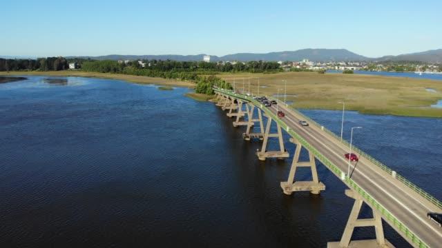 vídeos y material grabado en eventos de stock de puente de rio cruces - coastal feature