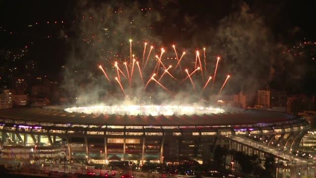 Rio de Janeiro celebra el fin del Mundial 2014 llenando el cielo de fuegos artificiales despues de la victoria de Alemania a Argentina