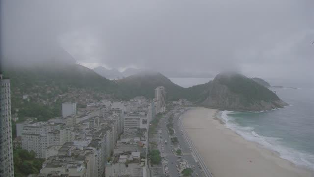 vidéos et rushes de h-d rio de janeiro coastline - amérique du sud