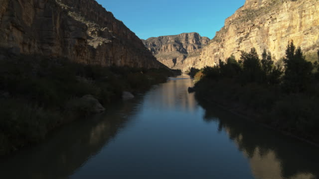 vídeos de stock, filmes e b-roll de rio grande canyon, big bend - north america