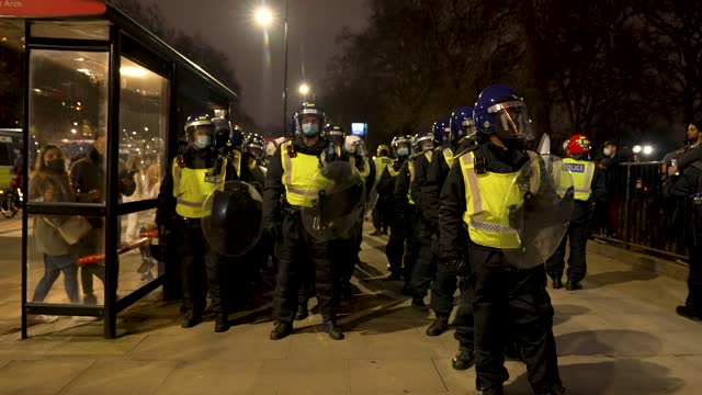 "riot police attempt to clear and move on protesters on march 20, 2021 in london, england. ""world wide rally for freedom"" protests, with apparent... - city life stock videos & royalty-free footage"