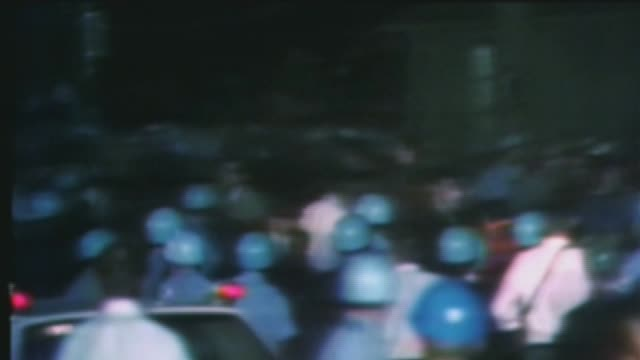 wgn riots during the democratic national convention at the international amphitheater on august 28 1968 in chicago illinois - 1968 bildbanksvideor och videomaterial från bakom kulisserna