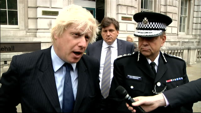 parliament recalled to discuss unrest johnson and godwin statements after cobra committee meeting england london whitehall ext boris johnson and tim... - bedauern stock-videos und b-roll-filmmaterial