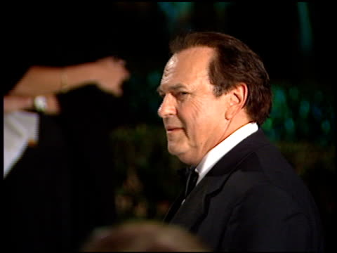 vidéos et rushes de rip torn at the 1998 academy awards vanity fair party at morton's in west hollywood california on march 23 1998 - rip torn