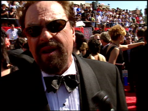vidéos et rushes de rip torn at the 1998 emmy awards entrances at the shrine auditorium in los angeles california on september 13 1998 - rip torn