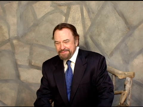 vidéos et rushes de rip torn of 'forty shades of blue' at the 2005 hp portrait studio presented by wireimage at hp portrait studio in park city utah on january 24 2005 - rip torn