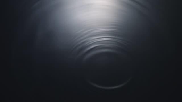 vídeos de stock e filmes b-roll de ripples of water - ondulado descrição física