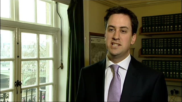 ed miliband interview england london int ed miliband mp interview sot george osborne should stop treating the british people like fools he claimed... - verringerung stock-videos und b-roll-filmmaterial