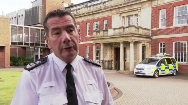 vídeos y material grabado en eventos de stock de rise in violence against police prompts northamptonshire force to arm officers with tasers; england: northamptonshire: ext chief constable nick... - northamptonshire