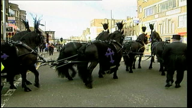 rise of burial costs in london tx reggie kray horsedrawn funeral procession - bethnal green stock videos & royalty-free footage