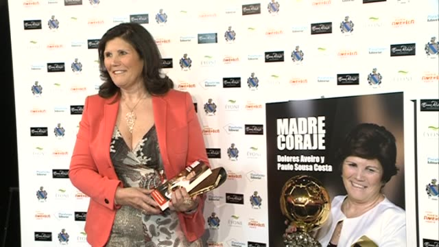 vidéos et rushes de ristiano ronaldo's mother, dolores aveiro, presents her autobiography 'madre coraje' - maternelle