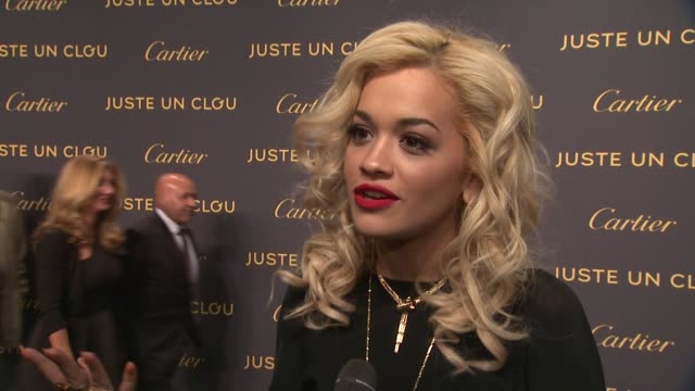rita ora talks about her first cartier gift at cartier exhibition preview cocktail celebration for cartier aldo cipullo new york city in the 70s and... - cartier video stock e b–roll