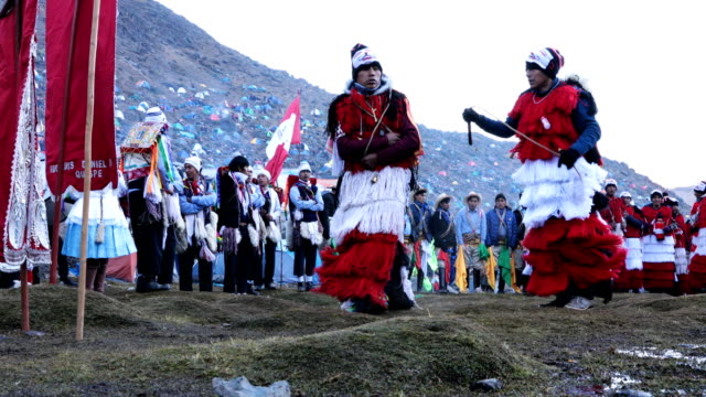 a ritualistic whip fight takes place during the annual qoyllur rit'i festival on may 28 2018 in ocongate peru every year since 1783 in the sinakara... - religious celebration stock videos & royalty-free footage